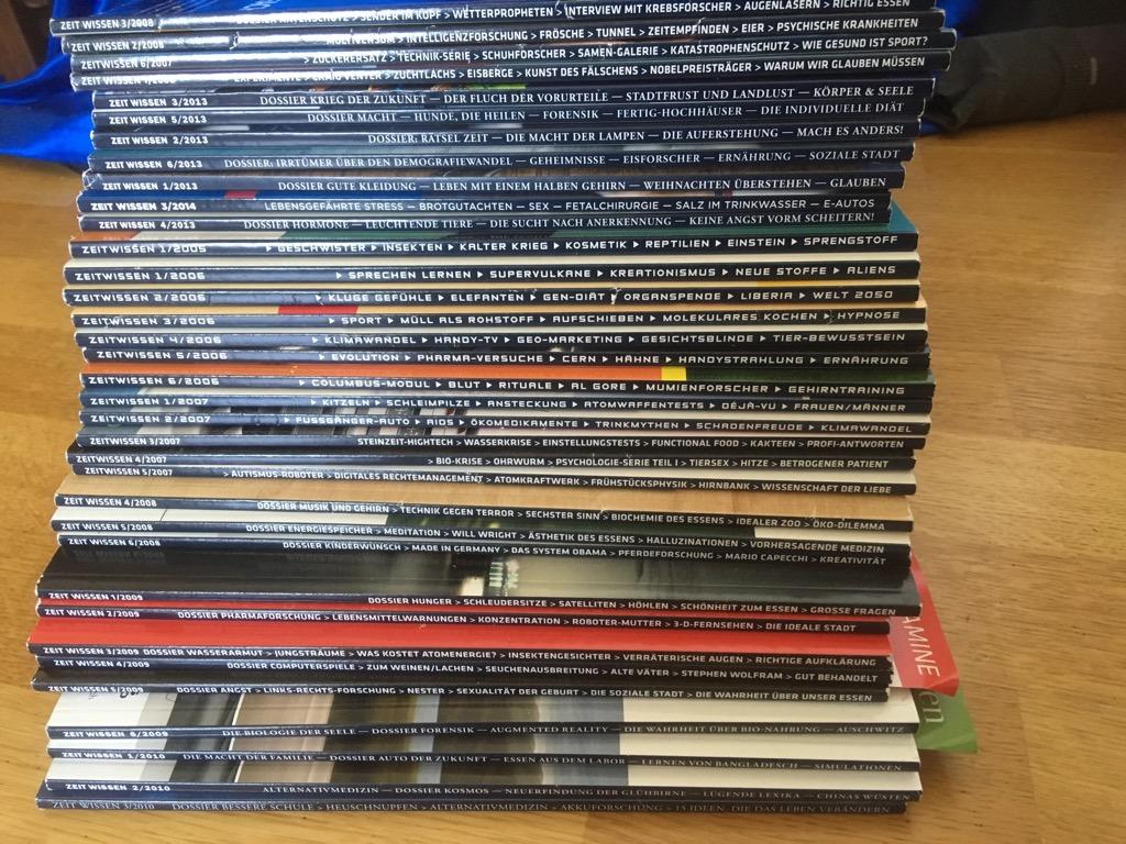 Stapel mit ca. 30 Zeitschriften