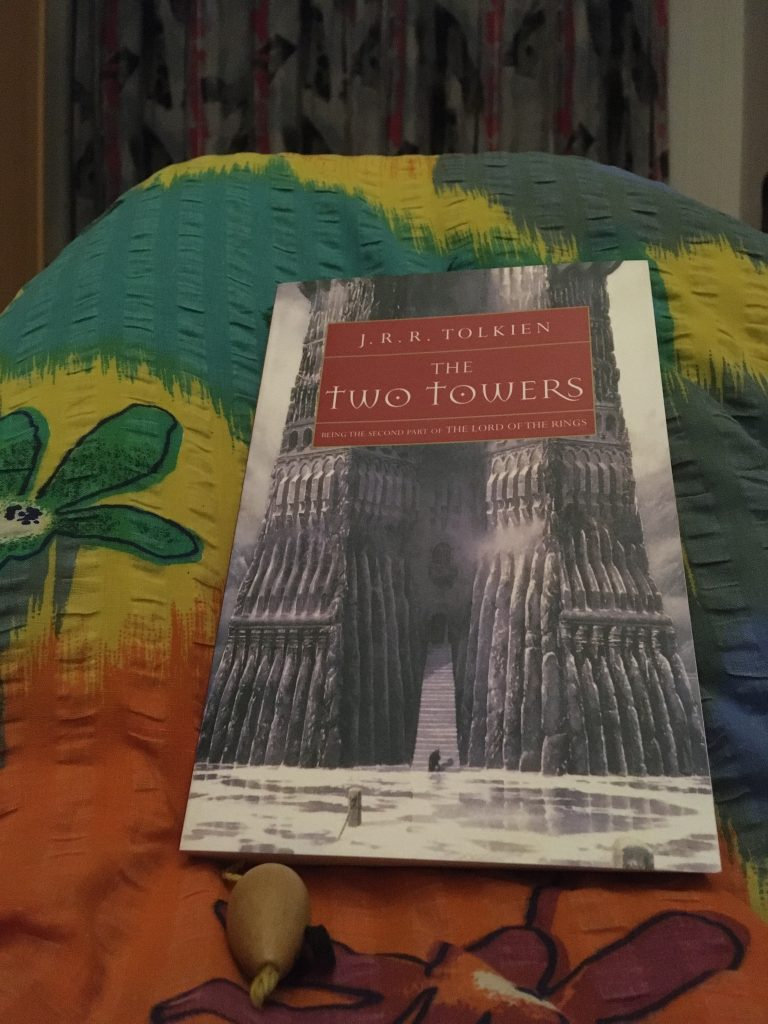 "Buch ""The Two Towers"""