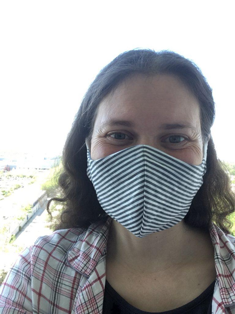 Judith mit gestreifter Maske